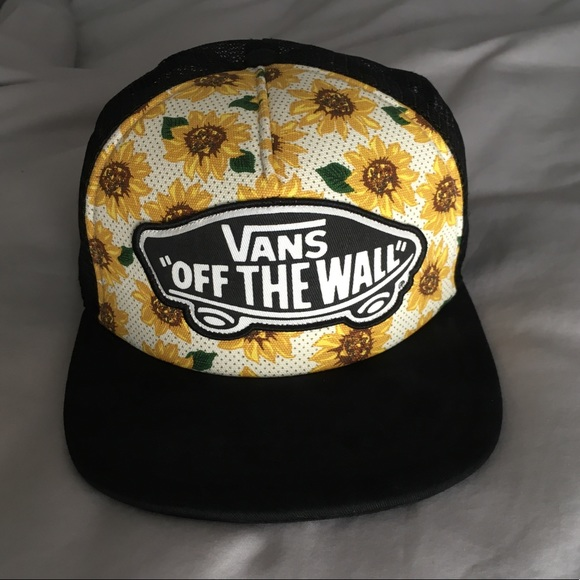 4d94751ad Vans Sunflower White and Black SnapBack Hat